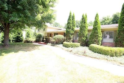 West Bloomfield Twp Single Family Home For Sale: 4175 E Newland Drive