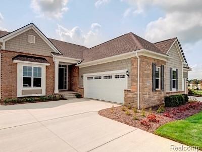 Northville Condo/Townhouse For Sale: 17122 Garden Ridge Lane #09