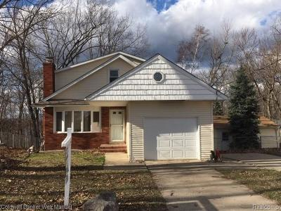 Single Family Home For Sale: 11568 Ember