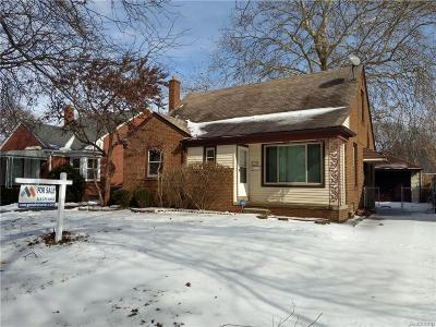 Dearborn Heights Single Family Home For Sale: 8496 Riverdale Street