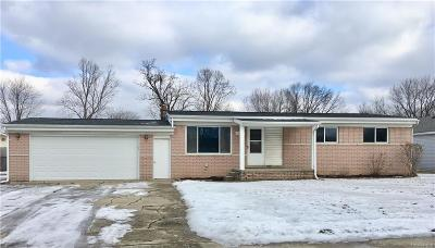 St Clair Shores, Roseville, Fraser, Harrison Twp Single Family Home For Sale: 19947 Wallace Street