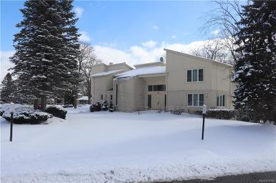 Orchard Lake Single Family Home For Sale: 4312 Hickory Court