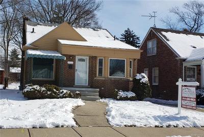 Wayne County, Oakland County Single Family Home For Sale: 9936 Virgil