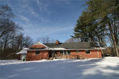 Southfield Single Family Home For Sale: 22410 Brookside Drive