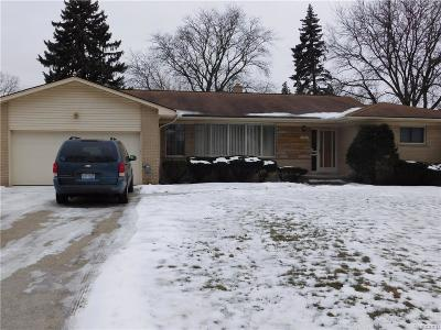 Southfield Single Family Home For Sale: 18301 Greenwald Drive