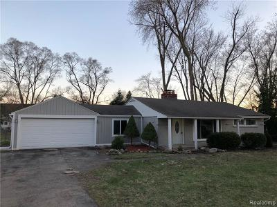 Rochester Hills, Rochester Single Family Home For Sale: 220 Michelson Road