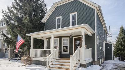 Plymouth Single Family Home For Sale: 571 Starkweather Street