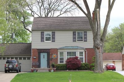 Royal Oak Single Family Home For Sale: 2214 Vinsetta Boulevard