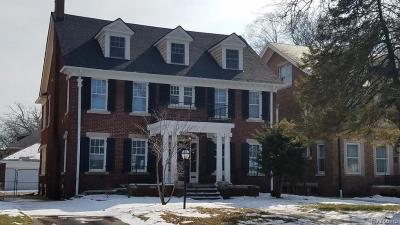 Detroit Single Family Home For Sale: 2007 W Boston Boulevard