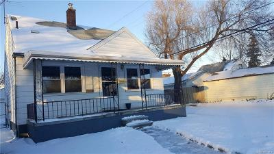 Royal Oak Single Family Home For Sale: 2227 E University Avenue
