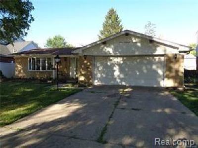 Dearborn Heights Single Family Home For Sale: 674 Berwyn Street