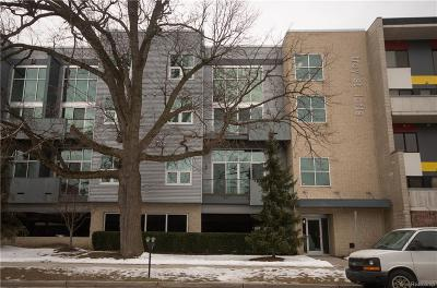 Royal Oak Condo/Townhouse For Sale: 614 S Troy Street #107
