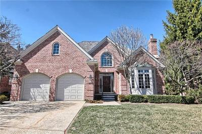 Bloomfield Hills Condo/Townhouse For Sale: 8 Vaughan