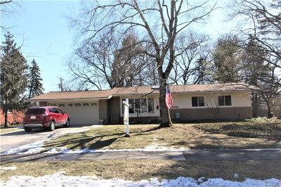 Farmington, Farmington Hills Single Family Home For Sale: 33761 James Court