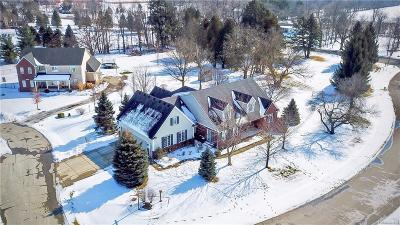 Ray Twp Single Family Home For Sale: 18020 Oak Court