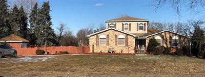 Sterling Heights Single Family Home For Sale: 14623 Clinton River Road