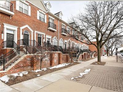 Pleasant Ridge Condo/Townhouse For Sale: 23980 Woodward Avenue
