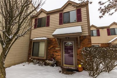 Rochester Hills Condo/Townhouse For Sale: 1555 Streamwood Court