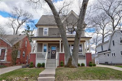 Royal Oak Single Family Home For Sale: 806 Forestdale Road