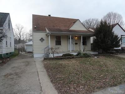 Detroit Single Family Home For Sale: 7477 Dolphin