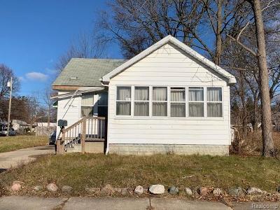 Pontiac Single Family Home For Sale: 97 E Strathmore Avenue