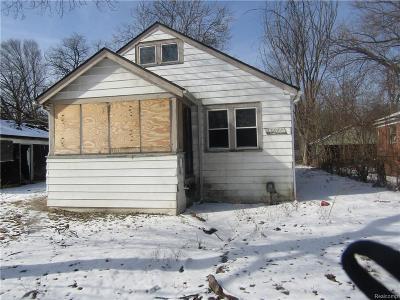 Detroit Single Family Home For Sale: 15847 Blackstone Street