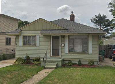 Eastpointe Single Family Home For Sale: 24631 Laetham Avenue