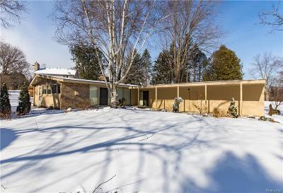 Farmington Hills Single Family Home For Sale: 35335 Muer Cove