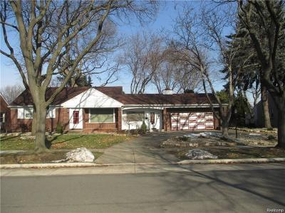 Dearborn Single Family Home For Sale: 1438 Sherwood Court