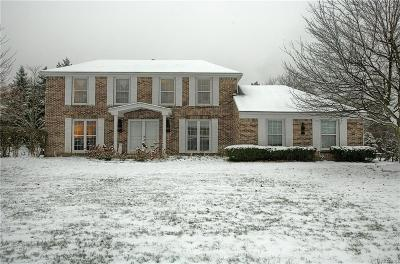 West Bloomfield Twp Single Family Home For Sale: 5528 Crispin Way Road