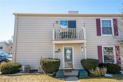 Lake Orion, Orion Twp, Orion Condo/Townhouse For Sale: 3047 Oakridge Court
