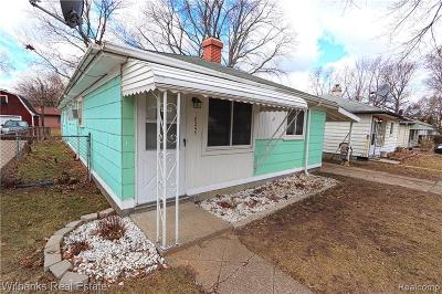 Livonia Single Family Home For Sale: 18253 Deering Street