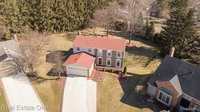 Rochester Hills, Rochester Single Family Home For Sale: 540 Oakhill Court