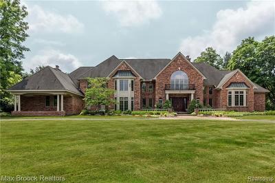 Bloomfield, Bloomfield Hills, Bloomfield Twp, West Bloomfield, West Bloomfield Twp Single Family Home For Sale: 51 Brady Lane