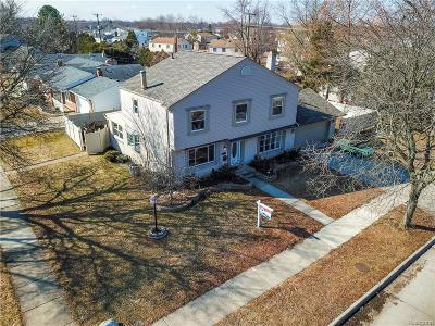 Dearborn Heights Single Family Home For Sale: 26175 Wilson Drive