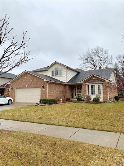 Livonia Single Family Home For Sale: 34231 Trillium