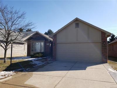 Washington Twp Condo/Townhouse For Sale: 7062 Copper Creek Drive #16