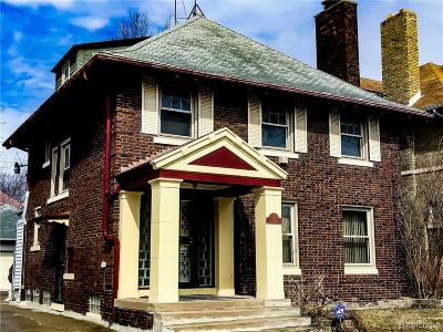 Detroit Single Family Home For Sale: 1986 Glynn Court