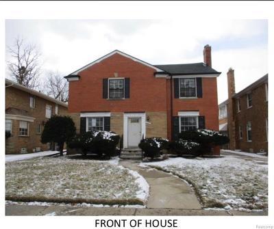 Wayne County, Oakland County Single Family Home For Sale: 5536 W Outer Drive