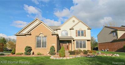 Bloomfield, Bloomfield Hills, Bloomfield Twp, West Bloomfield, West Bloomfield Twp Single Family Home For Sale: 1975 Bloomfield Oaks Drive