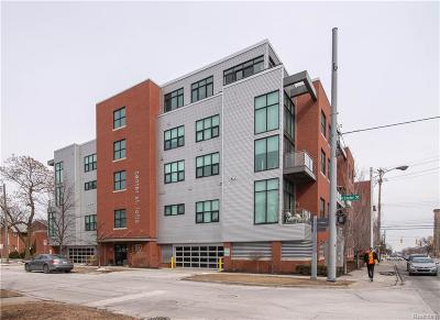 Royal Oak Condo/Townhouse For Sale: 100 N Center Street #402