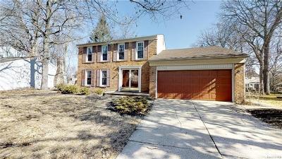 NOVI Single Family Home For Sale: 21722 Shadybrook Drive