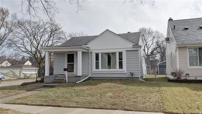 Royal Oak Single Family Home For Sale: 426 Marlin Avenue