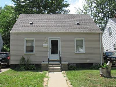 Dearborn MI Single Family Home For Sale: $110,000
