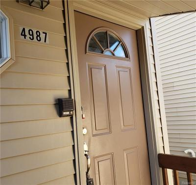 Waterford, Waterford Twp Condo/Townhouse For Sale: 4987 Oak Hill Drive