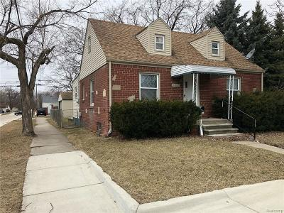 Warren Single Family Home For Sale: 21407 Curie Avenue