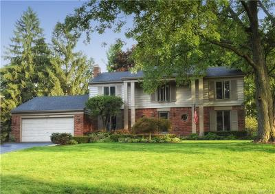 Bloomfield, Bloomfield Hills, Bloomfield Twp, West Bloomfield, West Bloomfield Twp Single Family Home For Sale: 769 N Shady Hollow Circle
