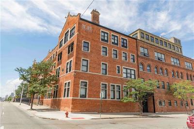 Detroit Condo/Townhouse For Sale: 6533 E Jefferson Avenue #LL09