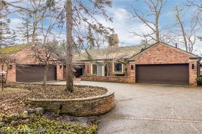 Bloomfield Twp Single Family Home For Sale: 1445 Kirkway Road