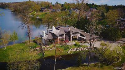 Bloomfield Twp Single Family Home For Sale: 1660 Apple Lane
